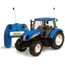 Britains 42601 - Big Farm New Holland T6070 R/C Tractor