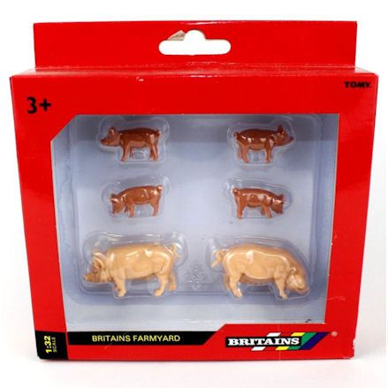 Britains 40966 Large White Pigs, Boxed