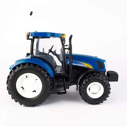 Britains 42601 Big Farm New Holland T6070 RC Tractor, Right Side
