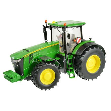 Britains 42999 John Deere 8370R Tractor, Turning