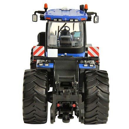 Britains 43193 New Holland T9.530 Tractor, Rear View