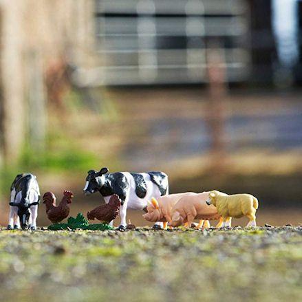 Britains 43205 Massey Ferguson 5612 Tractor Set, Farm Animals