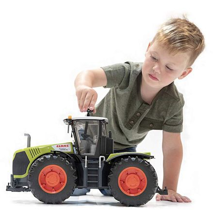 Bruder 03015 Claas Xerion 5000 Tractor, Child Playing
