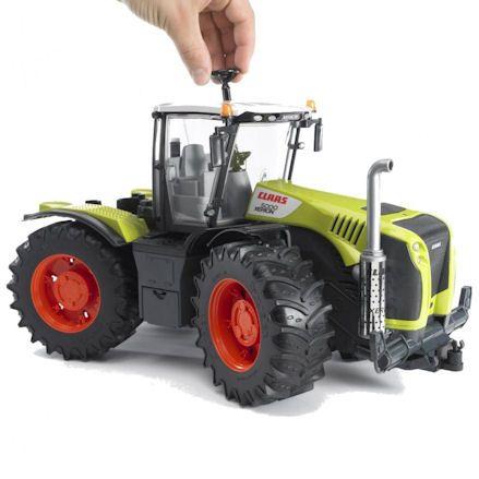 Bruder 03015 Claas Xerion 5000 Tractor, Steering