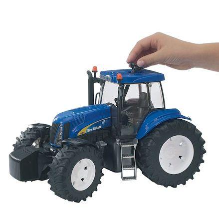 Bruder 03020 New Holland TG285 Tractor, steering