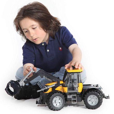 Bruder 03031 JCB Fastrac 3220, Child Playing