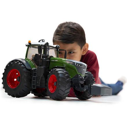 Bruder 04040 Fendt 1050 Vario Tractor, Child Playing