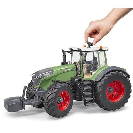 Bruder 04040 Fendt 1050 Vario Tractor, Steering
