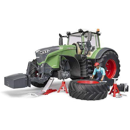 Bruder 04041 Fendt 1050 Vario Tractor, mechanic figure